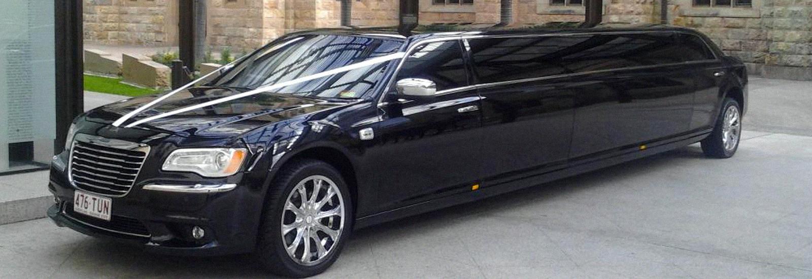 Black Chrysler 300C
